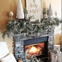 Christmas Fireplaces Decor 10 214x214 - Fireplace Mantel Décor Styles for the Christmas Season