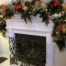 Christmas Fireplaces Decor 11 214x214 - Fireplace Mantel Décor Styles for the Christmas Season