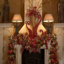 Christmas Fireplaces Decor 13 214x214 - Fireplace Mantel Décor Styles for the Christmas Season