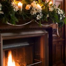 Christmas Fireplaces Decor 15 214x214 - Fireplace Mantel Décor Styles for the Christmas Season