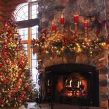 Christmas Fireplaces Decor 2 214x214 - Fireplace Mantel Décor Styles for the Christmas Season