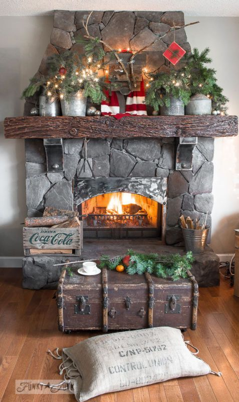 Christmas Fireplaces Decor 21 - Fireplace Mantel Décor Styles For The Christmas Season