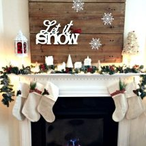 Christmas Fireplaces Decor 23 214x214 - Fireplace Mantel Décor Styles for the Christmas Season