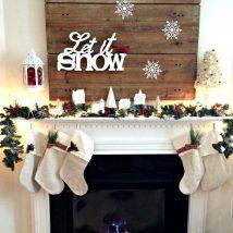 Christmas Fireplaces Decor 23 214x214 - Fireplace Mantel Décor Styles for the Christmas Season
