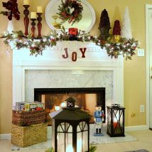 Christmas Fireplaces Decor 24 214x214 - Fireplace Mantel Décor Styles for the Christmas Season