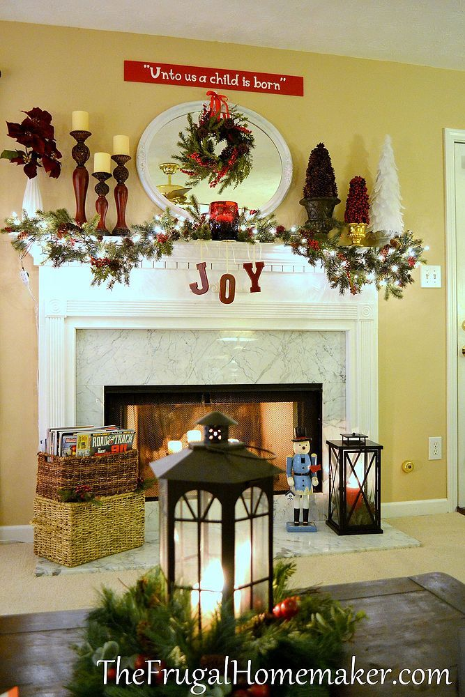 Christmas Fireplaces Decor 24 - Fireplace Mantel Décor Styles For The Christmas Season