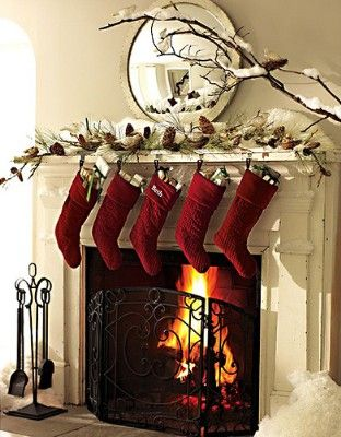 Christmas Fireplaces Decor 28 - Fireplace Mantel Décor Styles For The Christmas Season