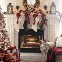 Christmas Fireplaces Decor 31 214x214 - Fireplace Mantel Décor Styles for the Christmas Season