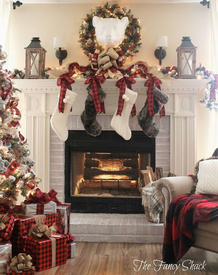 Christmas Fireplaces Decor 31 - Fireplace Mantel Décor Styles For The Christmas Season