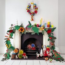 Christmas Fireplaces Decor 36 214x214 - Fireplace Mantel Décor Styles for the Christmas Season