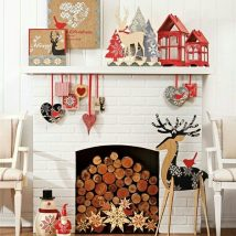 Christmas Fireplaces Decor 38 214x214 - Fireplace Mantel Décor Styles for the Christmas Season