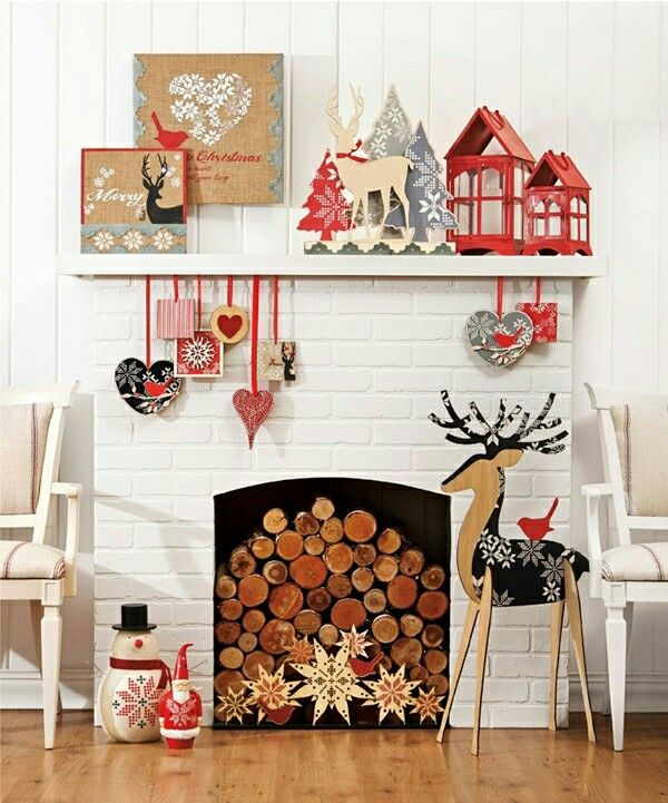 Christmas Fireplaces Decor 38 - Fireplace Mantel Décor Styles For The Christmas Season