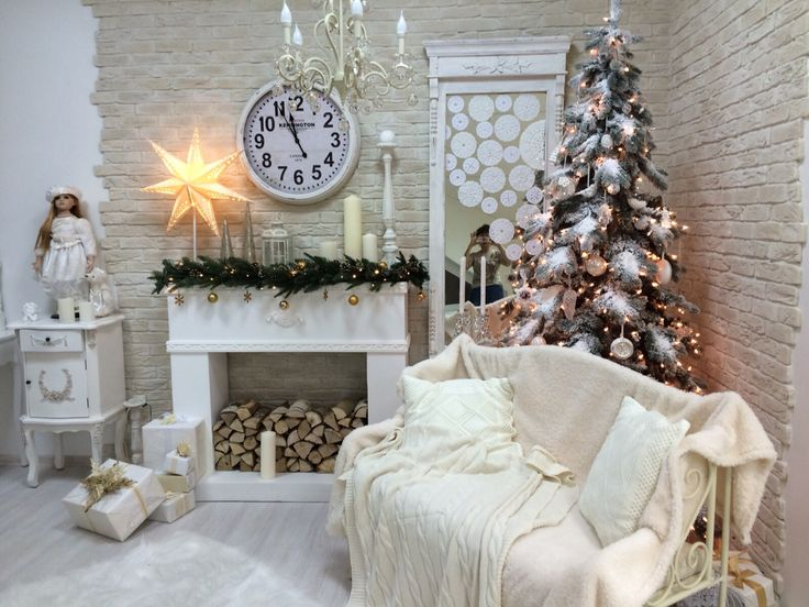 Christmas Fireplaces Decor 39 - Fireplace Mantel Décor Styles For The Christmas Season