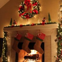 Christmas Fireplaces Decor 4 214x214 - Fireplace Mantel Décor Styles for the Christmas Season