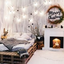 Christmas Fireplaces Decor 42 214x214 - Fireplace Mantel Décor Styles for the Christmas Season