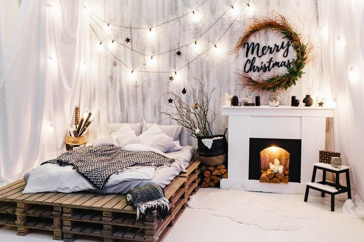 Christmas Fireplaces Decor 42 - Fireplace Mantel Décor Styles For The Christmas Season