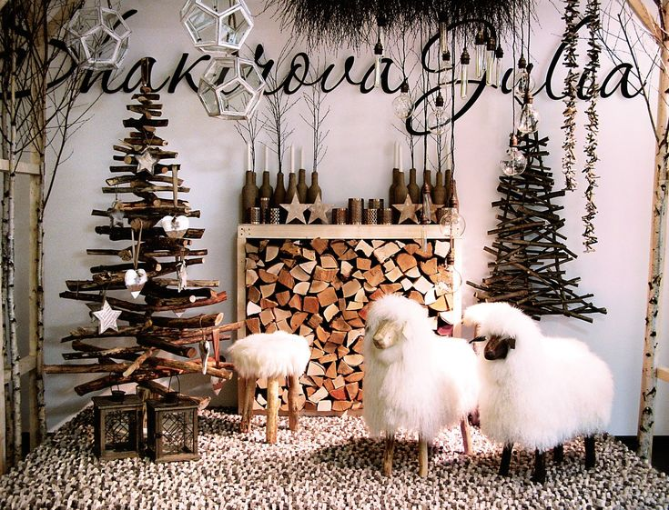 Christmas Fireplaces Decor 43 - Fireplace Mantel Décor Styles For The Christmas Season
