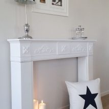 Christmas Fireplaces Decor 45 214x214 - Fireplace Mantel Décor Styles for the Christmas Season