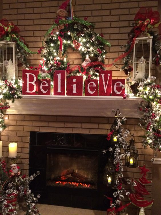 Christmas Fireplaces Decor 5 - Fireplace Mantel Décor Styles For The Christmas Season