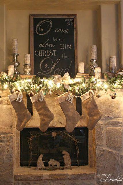 Christmas Fireplaces Decor 6 - Fireplace Mantel Décor Styles For The Christmas Season