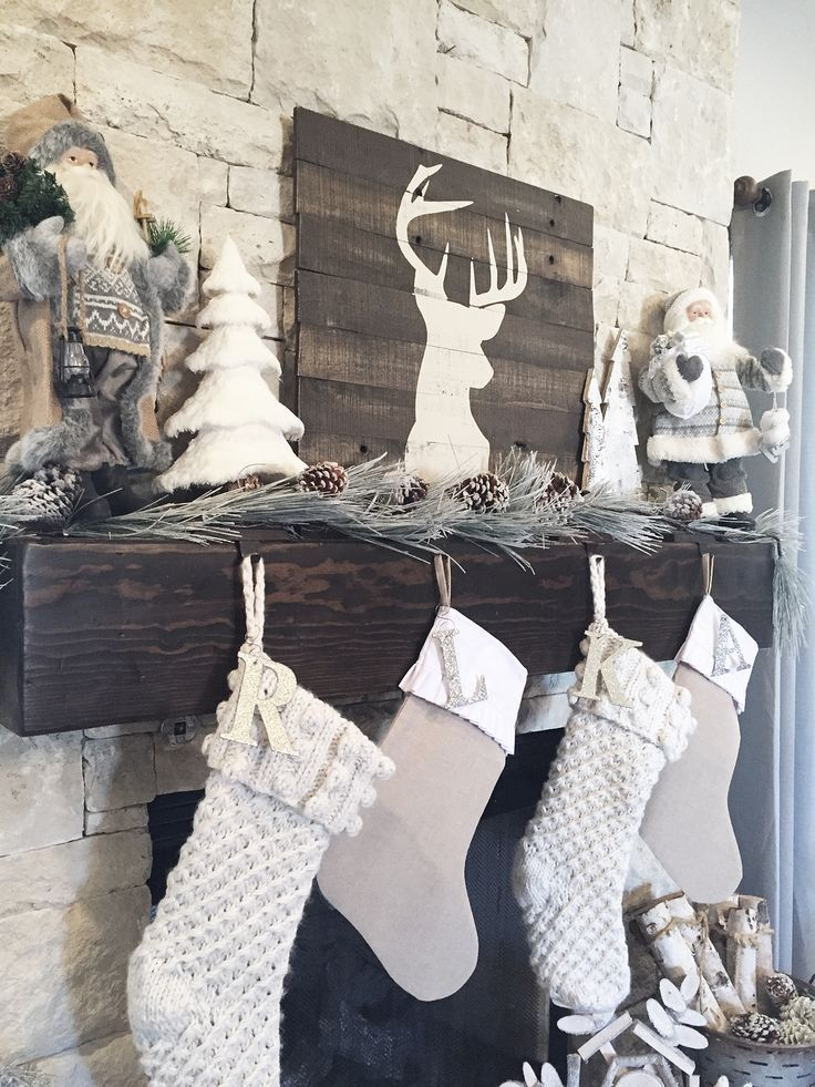 Christmas Fireplaces Decor 7 - Fireplace Mantel Décor Styles For The Christmas Season