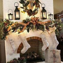 Christmas Fireplaces Decor 9 214x214 - Fireplace Mantel Décor Styles for the Christmas Season