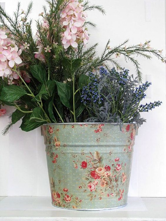Decoupage Tin Can Planters 5 - Amazing Ideas To Decoupage Tin Can Planters