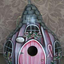 Diy Bird Houses 49 214x214 - 45+ Charming DIY Bird House Ideas For Your Backyard