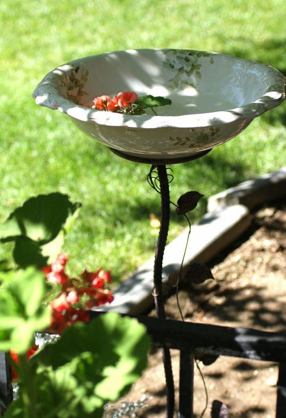 Diy Birdbath Projects 39 - 40+ DIY Bird Bath Projects Ideas