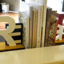 Diy Bookend Ideas 7 214x214 - 35+ Cool DIY Bookend Ideas