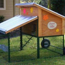 Diy Chicken Coops 26 214x214 - Coolest DIY Chicken Coop Ideas for Your Birds