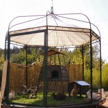 Diy Chicken Coops 39 214x214 - Coolest DIY Chicken Coop Ideas for Your Birds