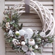 Diy Christmas Wreaths 10 214x214 - 39+ Of The Best DIY Christmas Wreath Ideas