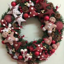 Diy Christmas Wreaths 19 214x214 - 39+ Of The Best DIY Christmas Wreath Ideas