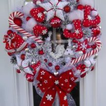 Diy Christmas Wreaths 21 214x214 - 39+ Of The Best DIY Christmas Wreath Ideas