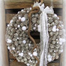 Diy Christmas Wreaths 23 214x214 - 39+ Of The Best DIY Christmas Wreath Ideas