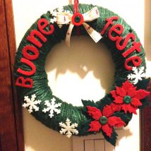 Diy Christmas Wreaths 29 214x214 - 39+ Of The Best DIY Christmas Wreath Ideas