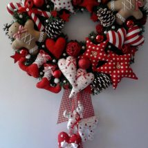 Diy Christmas Wreaths 32 214x214 - 39+ Of The Best DIY Christmas Wreath Ideas