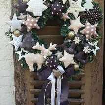 Diy Christmas Wreaths 33 214x214 - 39+ Of The Best DIY Christmas Wreath Ideas
