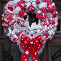 Diy Christmas Wreaths 36 214x214 - 39+ Of The Best DIY Christmas Wreath Ideas