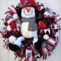 Diy Christmas Wreaths 39 214x214 - 39+ Of The Best DIY Christmas Wreath Ideas