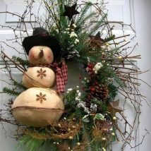 Diy Christmas Wreaths 42 214x214 - 39+ Of The Best DIY Christmas Wreath Ideas