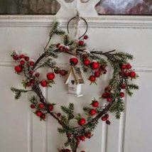 Diy Christmas Wreaths 43 214x214 - 39+ Of The Best DIY Christmas Wreath Ideas
