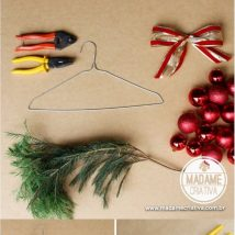 Diy Christmas Wreaths 44 214x214 - 39+ Of The Best DIY Christmas Wreath Ideas
