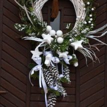 Diy Christmas Wreaths 7 214x214 - 39+ Of The Best DIY Christmas Wreath Ideas