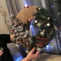Diy Christmas Wreaths 8 214x214 - 39+ Of The Best DIY Christmas Wreath Ideas