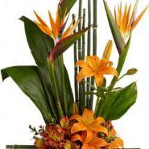 Diy Flower Vases 39 214x214 - 40+ DIY Flower Vases As Pretty As The Flowers Themselves
