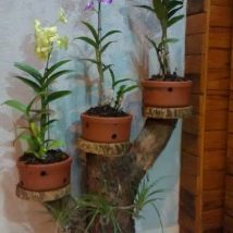 Diy Flower Vases 40 214x214 - 40+ DIY Flower Vases As Pretty As The Flowers Themselves