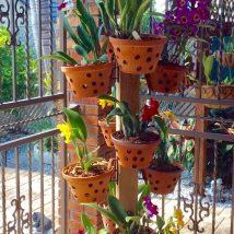 Diy Flower Vases 49 214x214 - 40+ DIY Flower Vases As Pretty As The Flowers Themselves