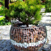 Diy Garden Globes 16 214x214 - 44+ Super Interesting DIY Garden Globes Ideas